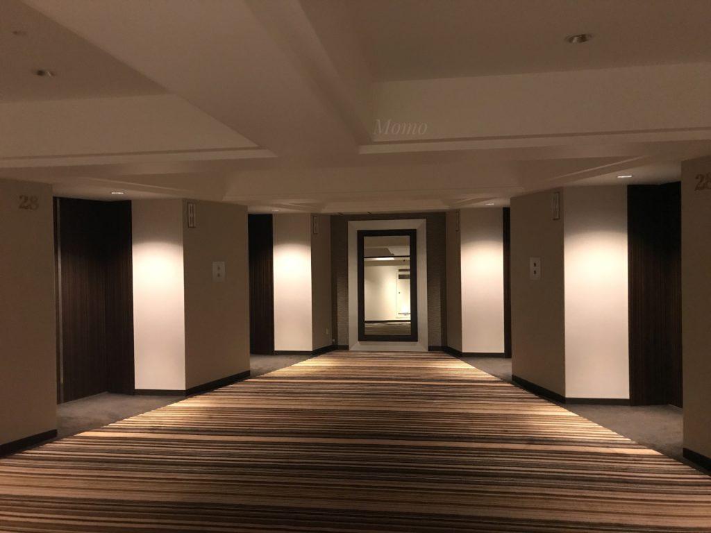 ヒルトン エレベーター