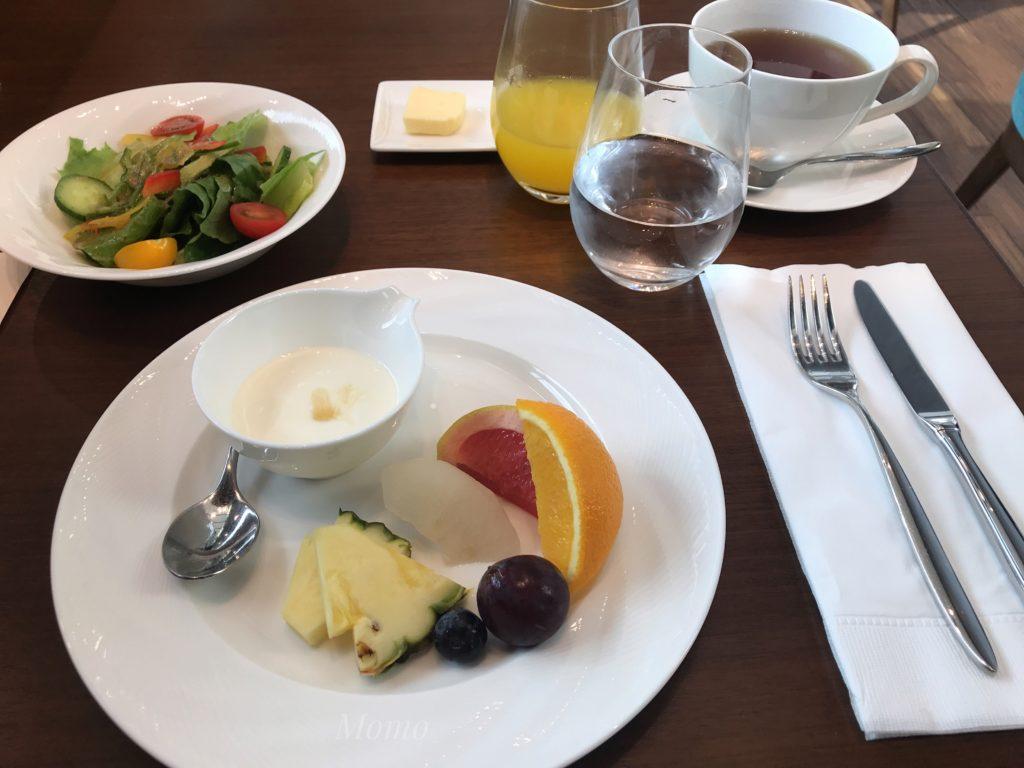 ザ・ゲートホテル フルーツ サラダ