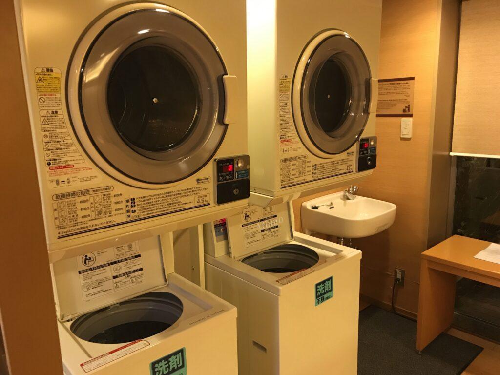 庭のホテル 洗濯機