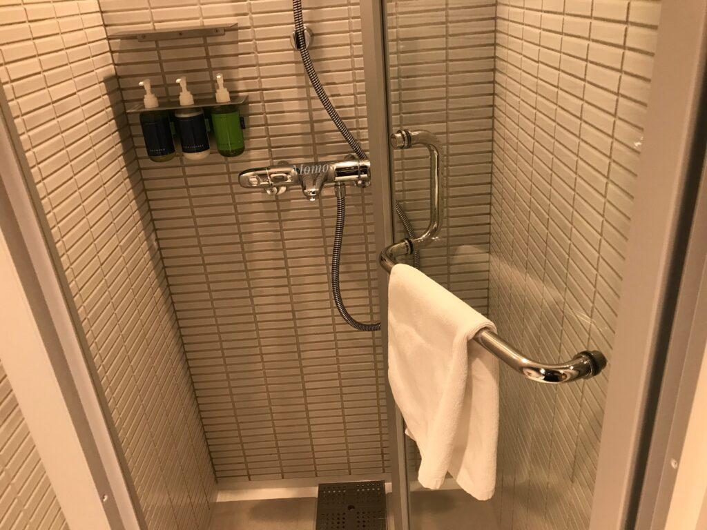 由縁 新宿 シャワー