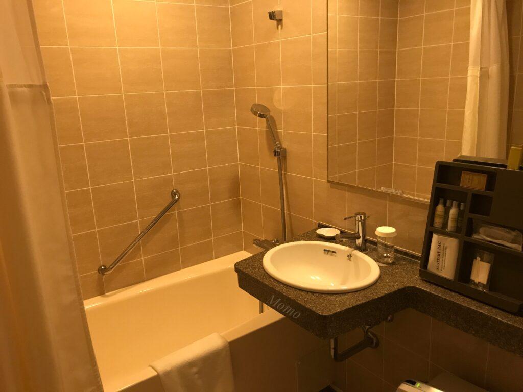 ダブルツリーbyヒルトン那覇 浴室