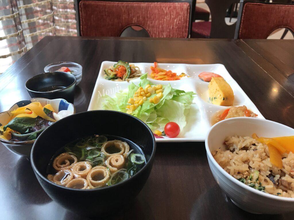 ダブルツリー ヒルトン 那覇 朝食