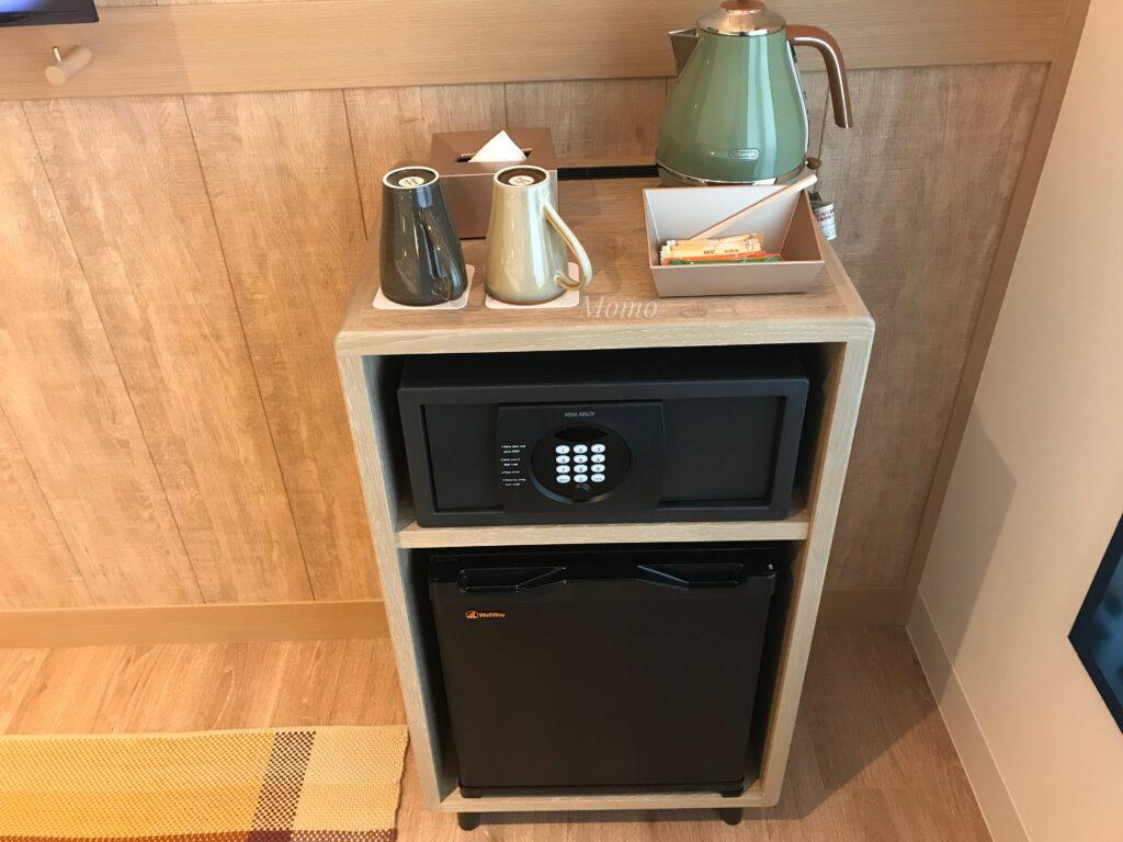 モクシー京都二条 冷蔵庫 電気ケトル セーフティーボックス