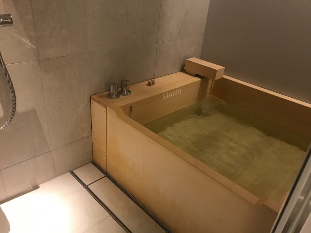 TSUKI ホテル 檜風呂